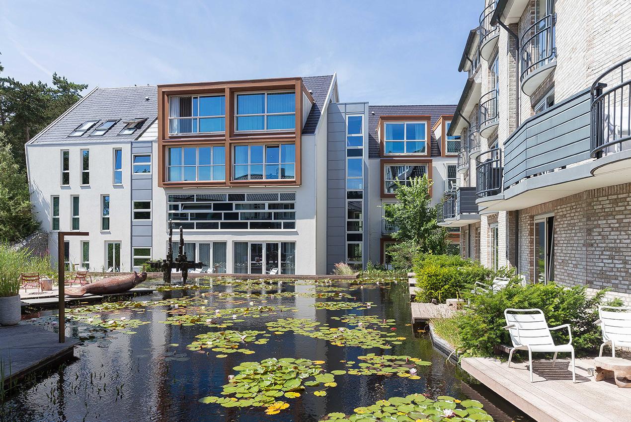 IQNN-Development_Blooming-Hotels